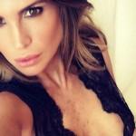 Claudia Galanti, splendido scatto hot sui social