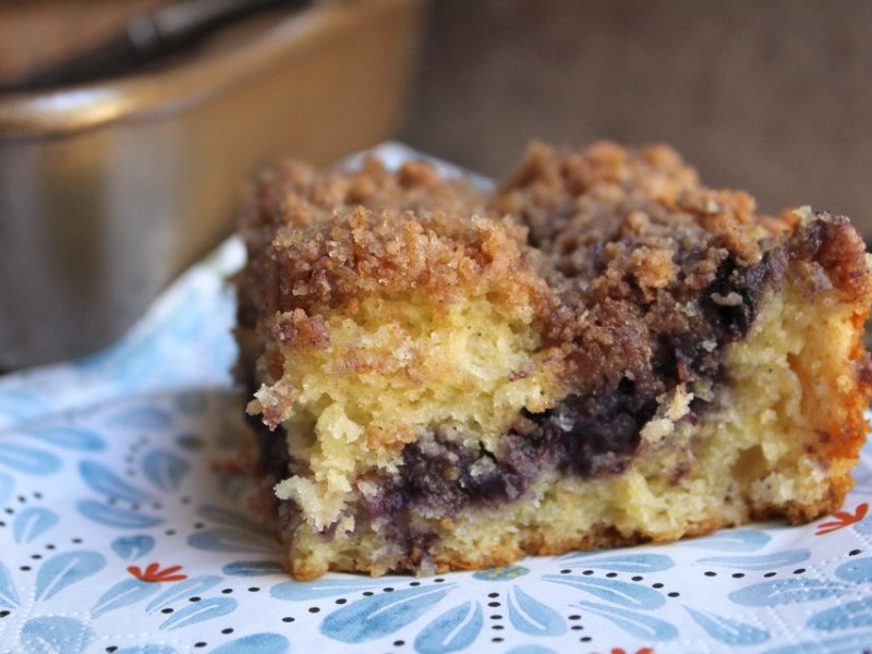 Blueberry-Sour-Cream-Crumb-Cake-587bc4a75f9b584db3c2187c